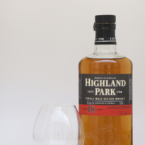 Highland Park 18 yo whisky with glass