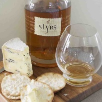 Slyrs whisky and Montagnolo Affine cheese pairing