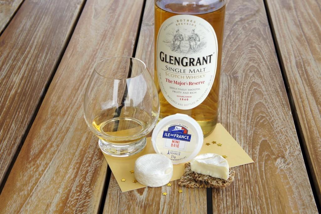 Brie cheese Glen Grant Majors Reserve single malt whisky pairing
