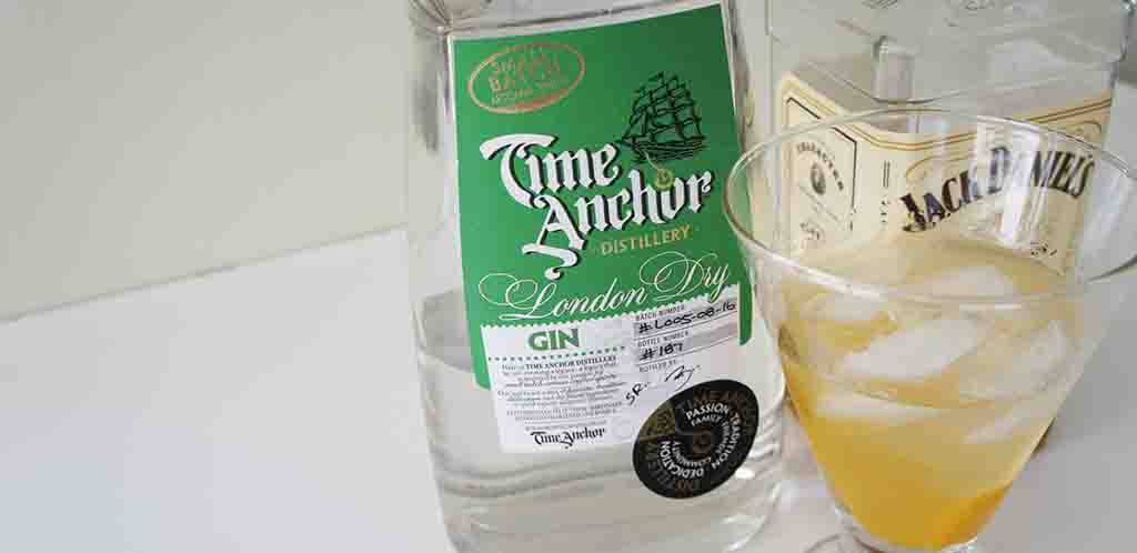 New Year gin Martini cocktail with time anchor gin