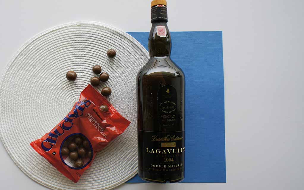 Whisky chocolate pairing 2017 edition lagavulin 1994 distillers edition and chuckles malted puffs