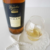Oban Distiller's Edition whisky with glass