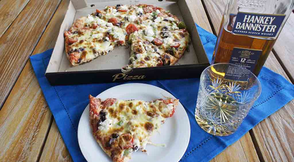 Pizza and whisky pairing Hankey Bannister 12 yo and vegetarian pizza