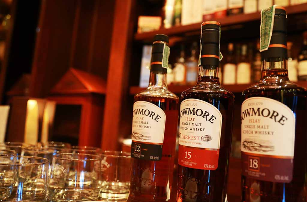 The only Whisky Show Bowmore bottles