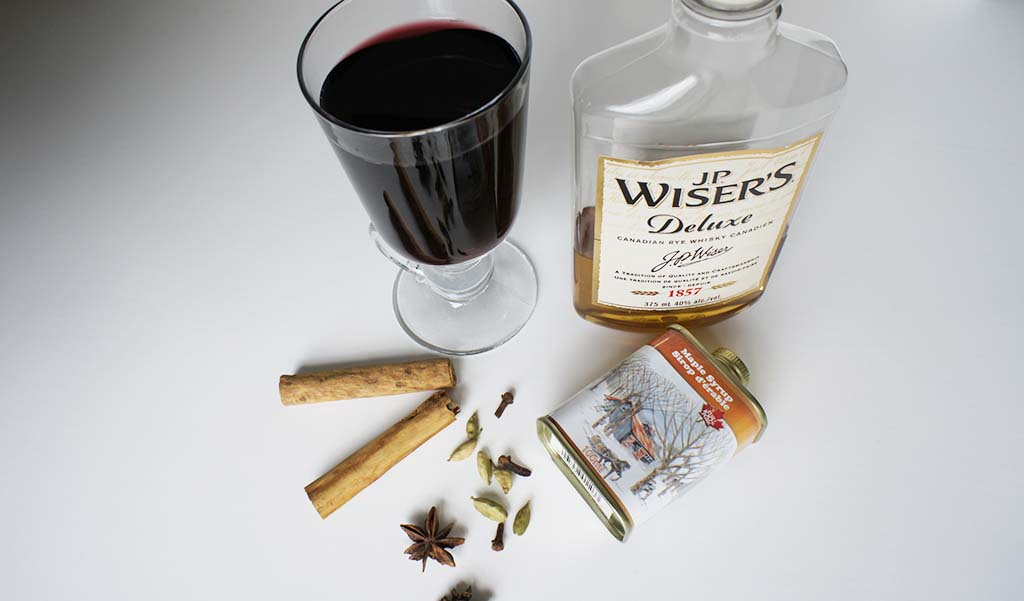Mulled wine Canada with maple syrup and JP Wiser