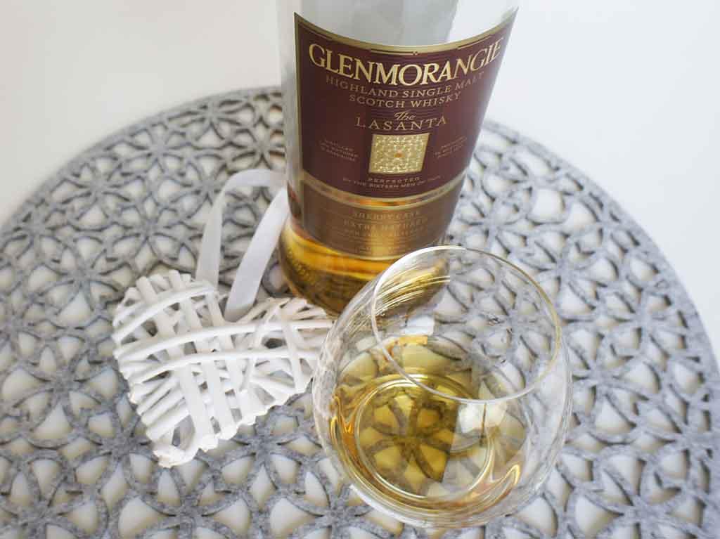 Glenmorangie Lasanta whisky with glass