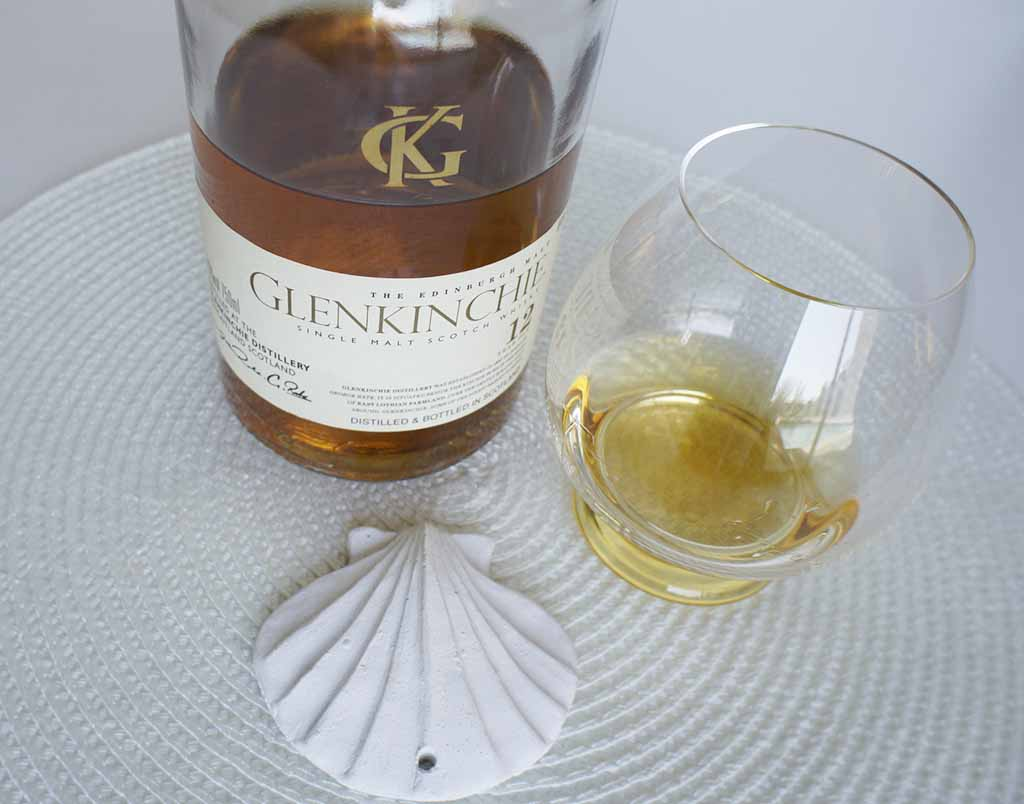 Glenkinchie 12 yo whisky with glass