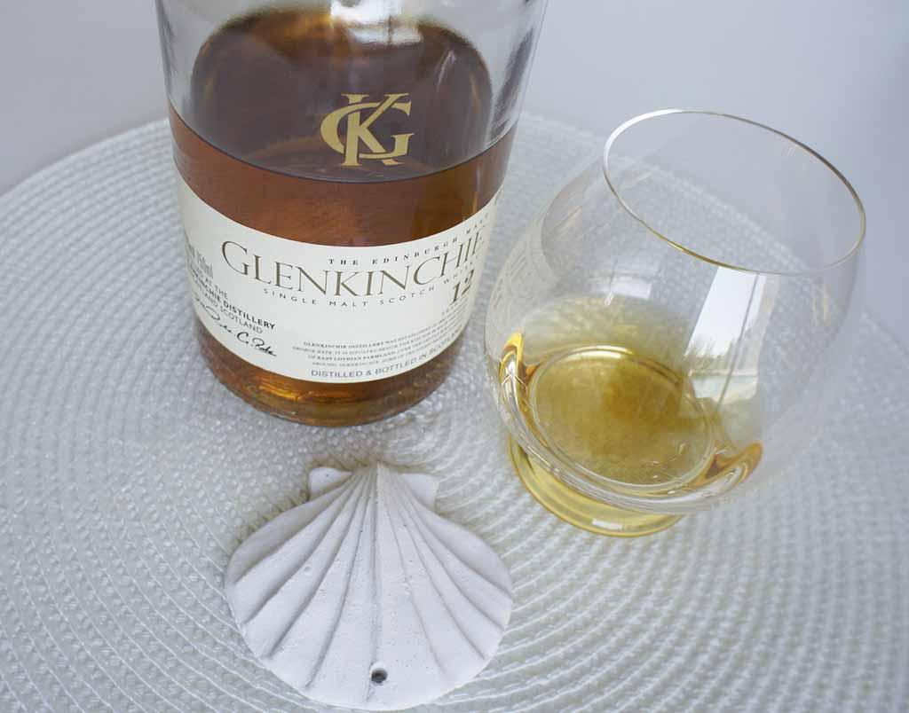 Glenkinchie 12 yo whisky with glass