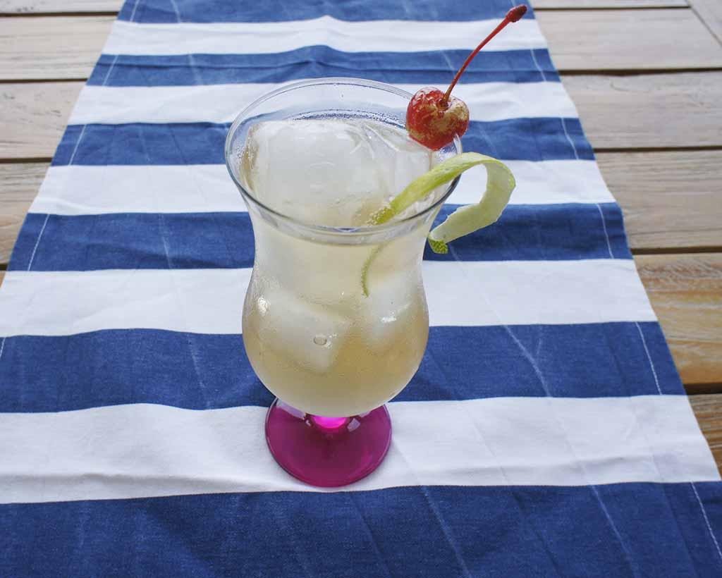 Sandton Iced Tea with cherry