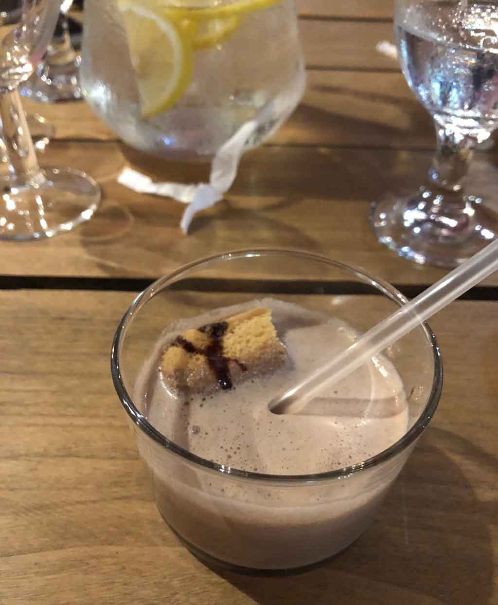 Tiramisu freak shake tiramisu with whisky